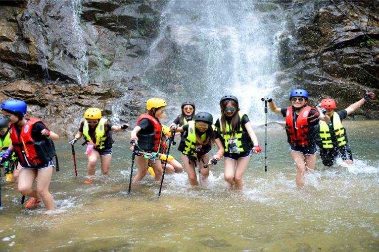 Mount Jiulong (Nine Dragons Mountain) National Forest Park3
