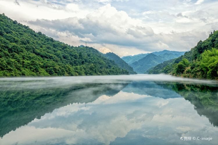 Dongjiang Lake Scenic Area4
