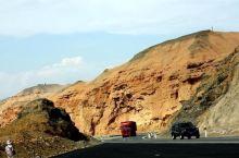 新疆吐鲁番出发往库车方向一路赏奇山怪石