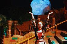 今年中秋,我去到离月亮更近的星球,代表水冰月托起大月亮啦!