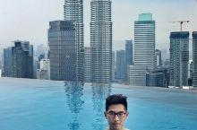 吉隆坡最红的无边泳池,泡在水里就能无死角俯瞰整个城市