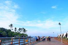 ancol海滩,雅加达北部的完美休闲胜地