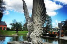 一个不来会后悔的公园,聚集了很多雕塑快来看看 每每听到新奥尔良这个地方就会想到奥尔良鸡翅,这次我们就