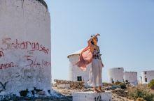 被人遗忘的白色风车,俯瞰古堡和地中海