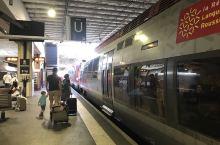蒙彼-里昂高铁.非常方便.没有安检.没有检票...