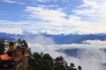 在两千米海拔的一片云海️️☁️中醒来