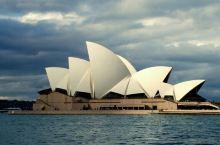 澳大利亚悉尼风光 2010年7月独自到澳大利亚旅行,悉尼,这个美丽的海港城市给我留下深刻的印象。 首