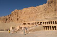 撒哈拉中哈素女王神庙