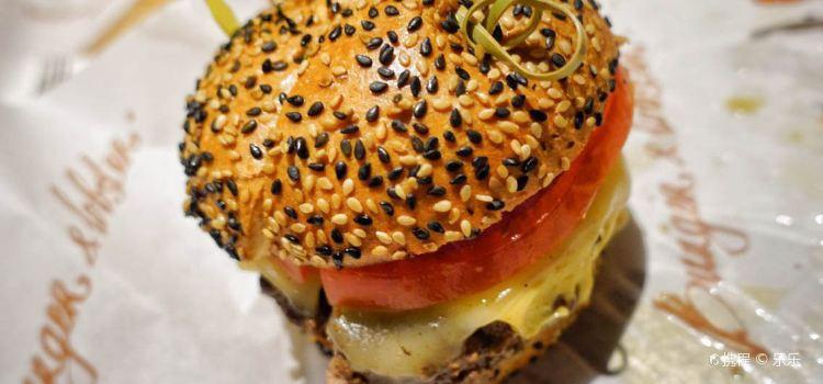 Burger & Lobster3