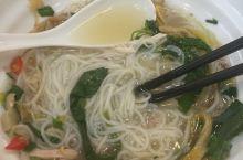 越南小吃在东兴