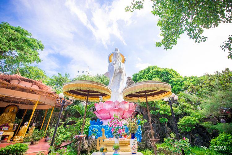 Phap Lam Pagoda4