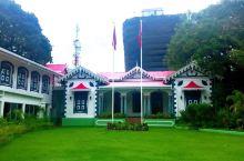 马累的总统府、清真寺,都是小巧玲珑型的