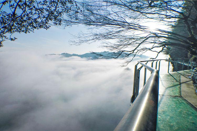 矮寨懸崖玻璃棧道1