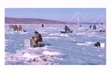 海参崴冰钓