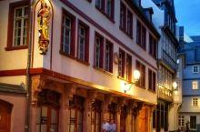 人们都说夜巴黎很美,那是因为他们没见过晚上的法兰克福