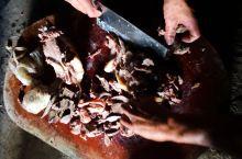 十月哈尼年是一年之中最隆重的节日!我们不过春节!火塘饭菜招待