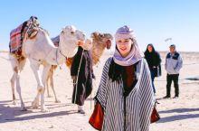 去三毛笔下的撒哈拉沙漠「骑骆驼」