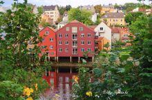 #向往的生活,极力推荐挪威特隆赫姆河边彩屋餐厅