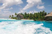 浪漫的原始风情岛屿   因为我和我老公一直都很想去马尔代夫度假,所以趁着我们都有空的时候,我们就选择