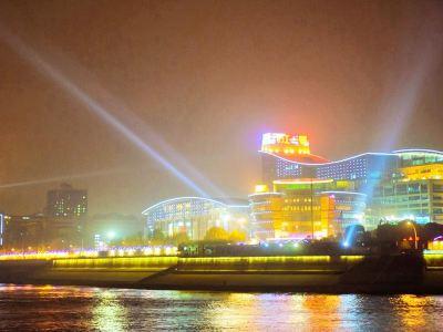 兩江遊覽遊船(武昌紅巷碼頭)