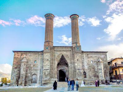 Cifte Minareli Medrese