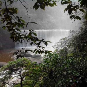 中洞瀑布旅游景点攻略图