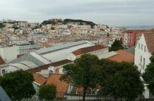 走在里斯本的老城