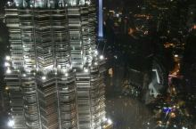 双子塔 吉隆坡的地标,曾经的世界第一高楼,但景观不如东京,新加坡,香港等地的夜景