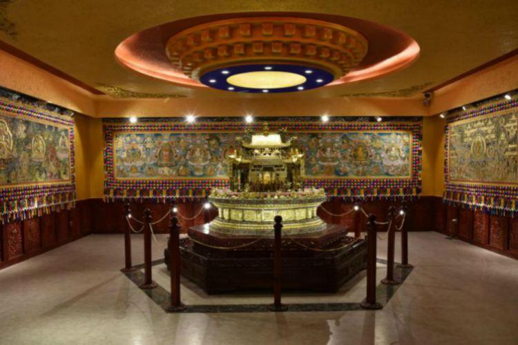 Baban Lianhua Fei Wuzhi Wenhua Yichan Chuancheng Tiyan Center2