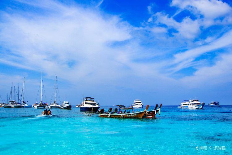 Racha Yai Island3