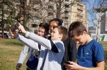 塞尔维亚——首都闲逛:公园,集市与美女
