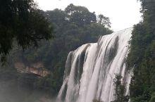 黄果树瀑布,听见水流飞下的声音