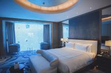 #高端轻奢体验# 住10万+一晚的海底套房是怎样的体验?