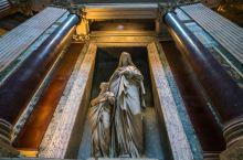诸神安葬之地 罗马万神殿