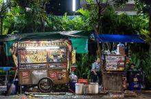 接地气的印尼雅加达夜市美食街