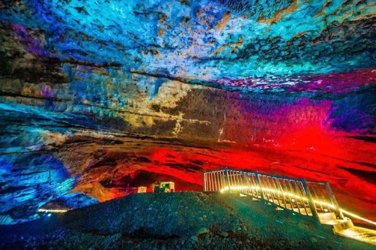 Xuexi (Snowy Jade) Cave1
