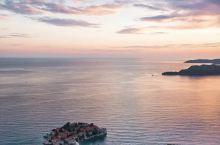 一岛一酒店,体验全球最小众黑山安缦的隐世生活