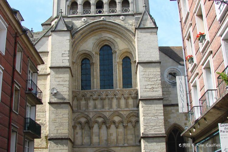 Cathedrale St-Pierre4