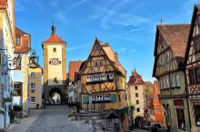 旅行必体验之处—步云莱  位于德国陶伯河上游罗腾堡有一个标志性景观,这就是步云莱。罗腾堡是德国中世纪