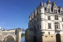 横跨在谢尔河上的迤逦童话——舍农索城堡  一个人的旅行,总是任性地想去特别一点的地方。法国来过几次,