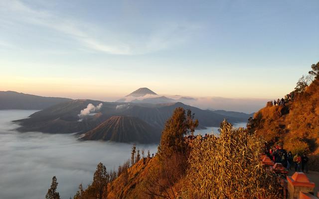 南纬8度,火山与大海的碰撞