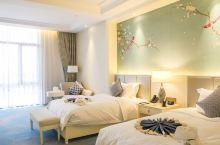 值得一去的酒店——潍坊弘润融汇温泉酒店  环境很好,很安静,小院温泉超级舒服,泡完直接回房间休息真的