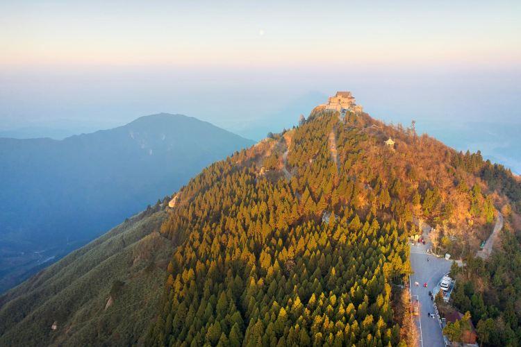 Zhu Rong Peak1