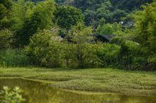 一座被老铁路分割的乡村,风景美的超乎想象,犹如世外桃源