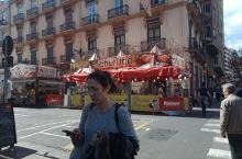 Fallas到了法雅节的高潮,街上早已遍布churros
