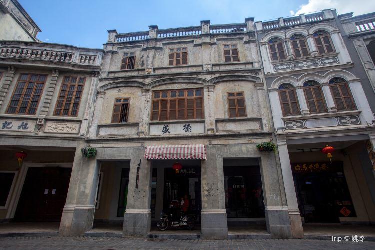Qilou Old Street1