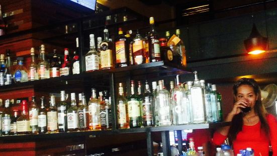 Larry's 110st Bar & Grill