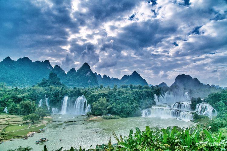 Detian Transnational Waterfall Scenic Area1