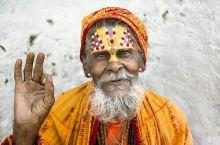 尼泊尔……烧尸庙里的苦行僧