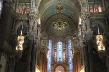 法国里昂富维耶圣母教堂,内部雕刻壁画美晕了